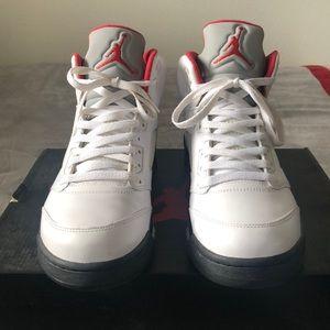 Air Jordan 5 Retro (Fire Red 5's)